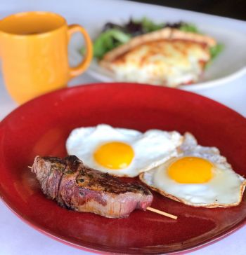 Mike Dianna's Grill Room, Steak and Eggs