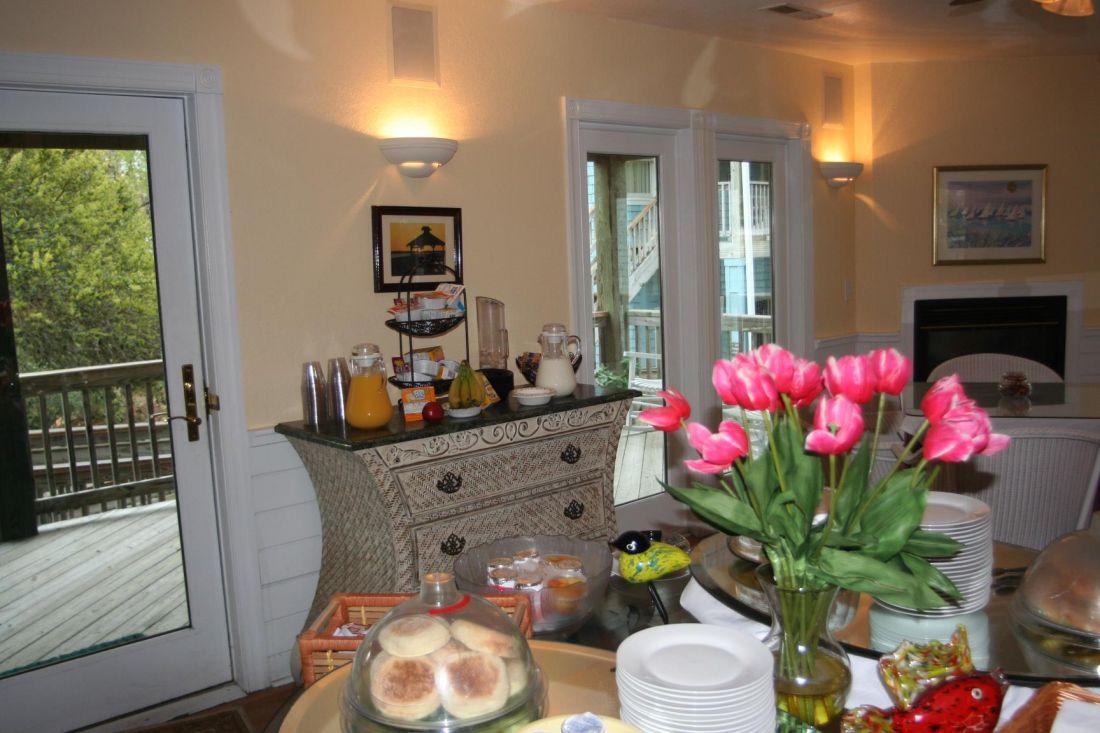 Breakfast Bar At Inn At Corolla Light